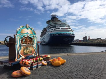 Draaiorgel Het pierementje aankomst cruise schip
